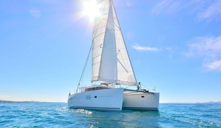 yacht-catamaran-chartering-weekly-cruise-halkidiki-north-aegean-sailman